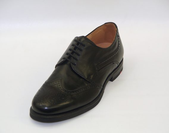 Lloyd Kurier wingtip brogue derby 5 tie lace up leather shoe at Mark Kendall Shoes, shown here in oblique view.