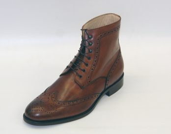 Mercanti Fiorentini 7067 Brogue Boot at Mark Kendall Shoes, Wellington, shown here in oblique view.