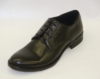 Progetto 1301 derby lace shoe at Mark Kendall Shoes, shown here in oblique view.
