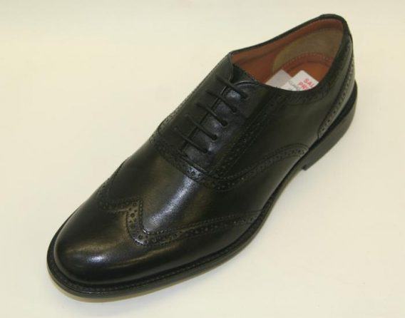 Clarks Brogue at Mark Kendall Shoes